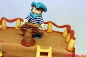 Мальчик за штурвалом - фигурка на торт