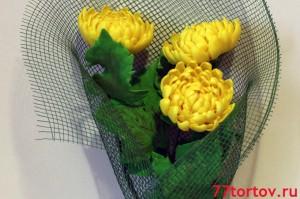 Хризантемы из мастики в подарочной упаковке