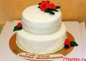 Торт двухъярусный с розами
