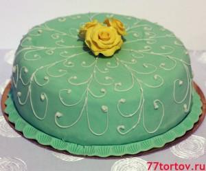 Торт с розами покрыт мастикой
