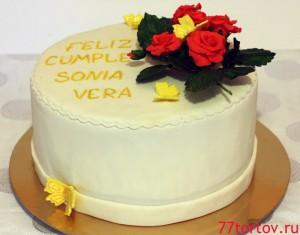 Торт с розами и бабочками