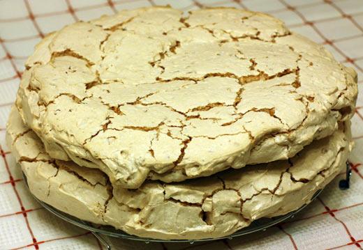 2 коржа для киевского торта