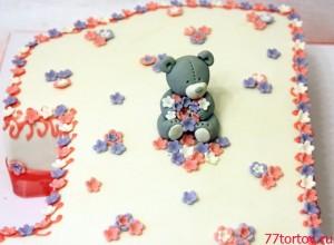 Фигурка Мишка из мастики на торте