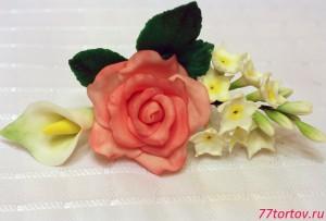 Цветочный букет из мастики для украшения торта