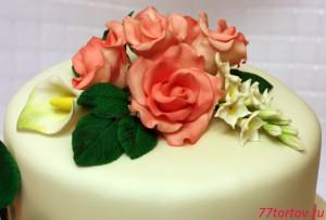 Цветочный букет из мастики на торте