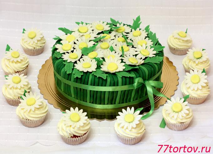 Торт с ромашками и маффинами