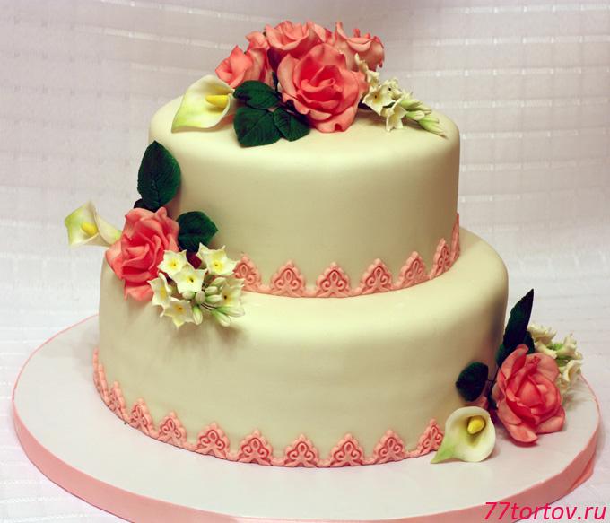 Торт свадебный с розами и калами