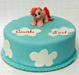 Торт с фигуркой пони