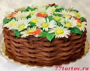 Торт корзина с ромашками