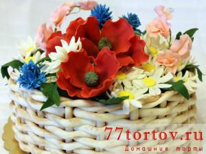Торт-корзина с полевыми цветами