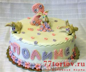 Торт с фигурками зайцев