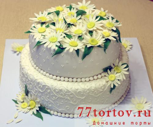 Торт свадебный с ромашками