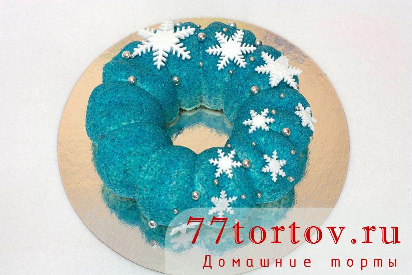 Муссовый торт со снежинками